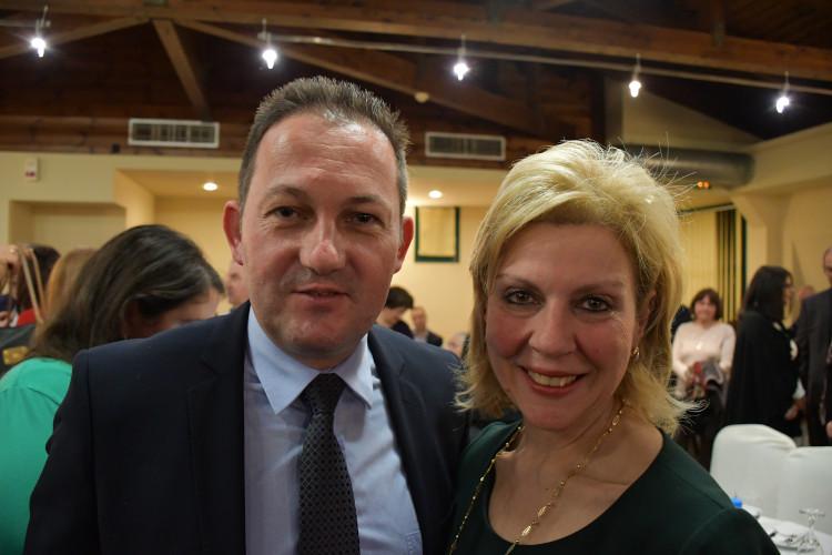 η υποψήφια βουλευτής Ευρυτανίας Θωμαΐς Οικονόμου με τον κ. Στέλιο Πέτσα