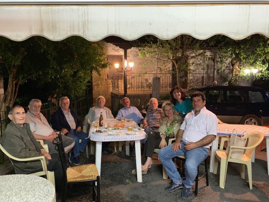 Στα Τοπόλιανα-Θωμαΐς Οικονόμου