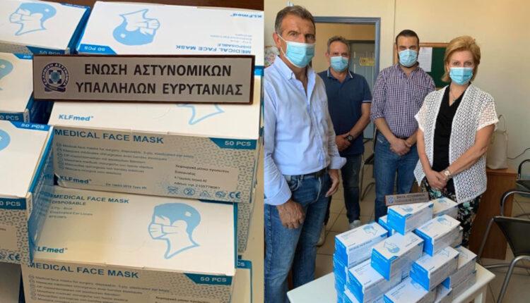 Δωρεά 1500 χειρουργικών μασκών στους Ευρυτάνες αστυνομικούς Θωμαΐς Οικονόμου
