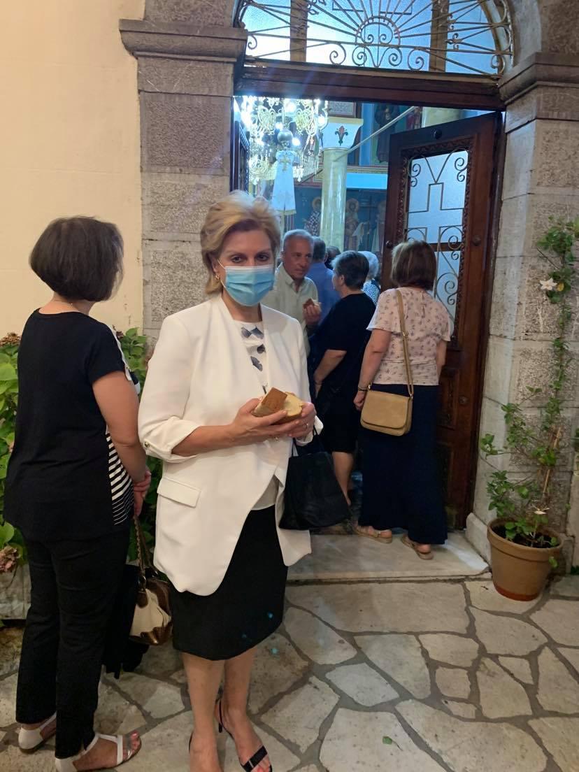 Στον μεγάλο Εσπερινό στην Ι. Μ. Παναγίας του Καρπενησίου στις 7-9-2020 Θωμαΐς Οικονόμου 4
